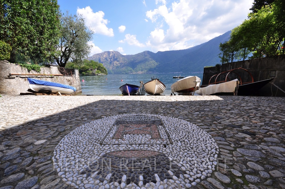 cobbled stonework Lake Como