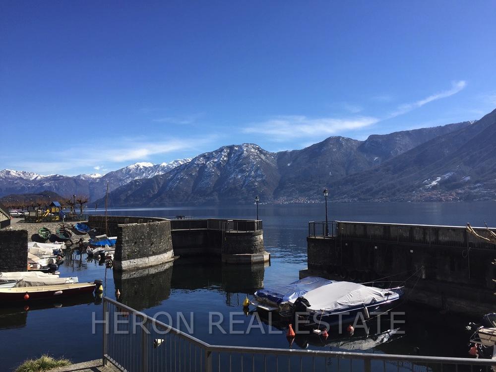 snow Lake Como