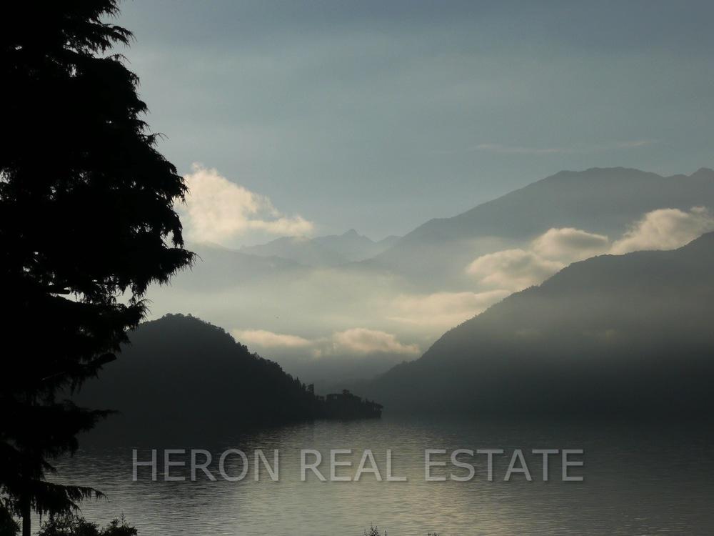 winter morning Lake Como