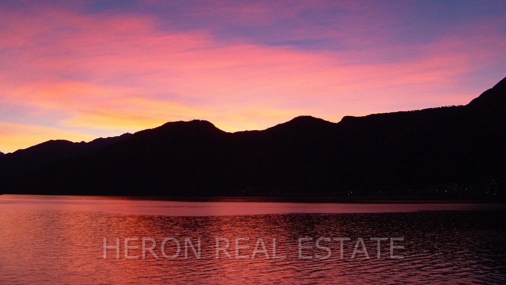 spectacular sunrise Lake Como