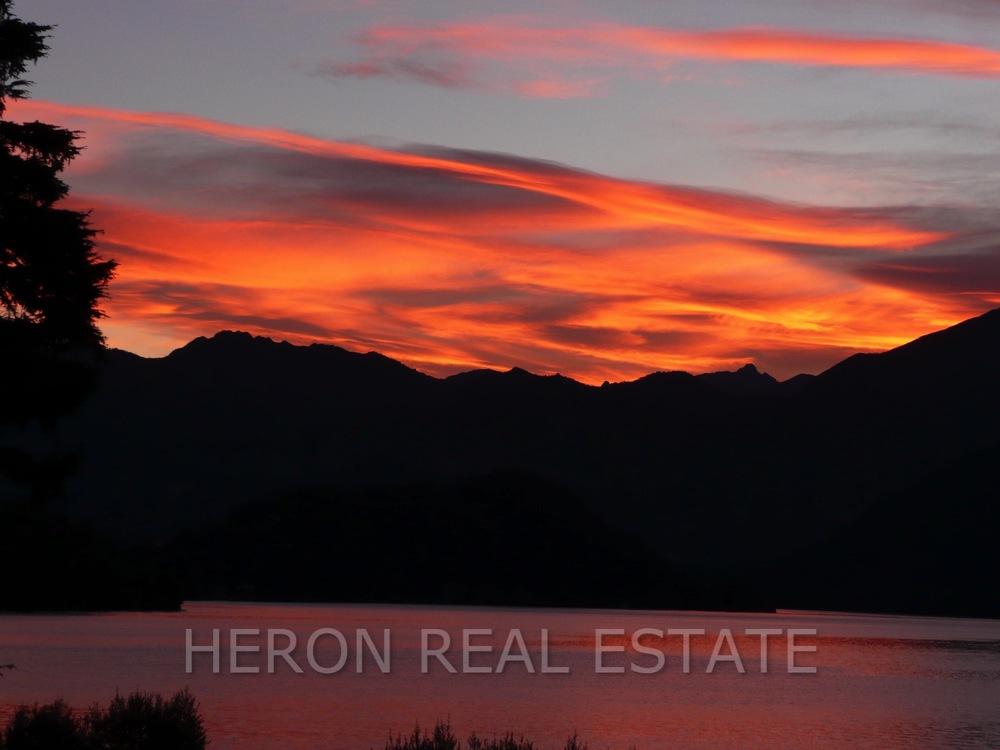alba Lago di Como