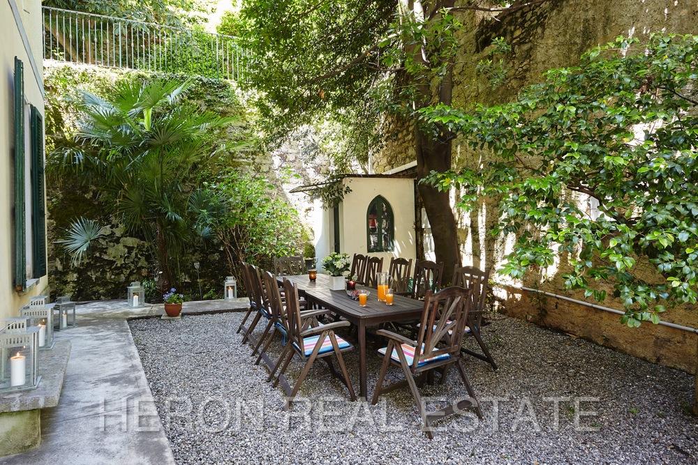 Laglio villa with garden