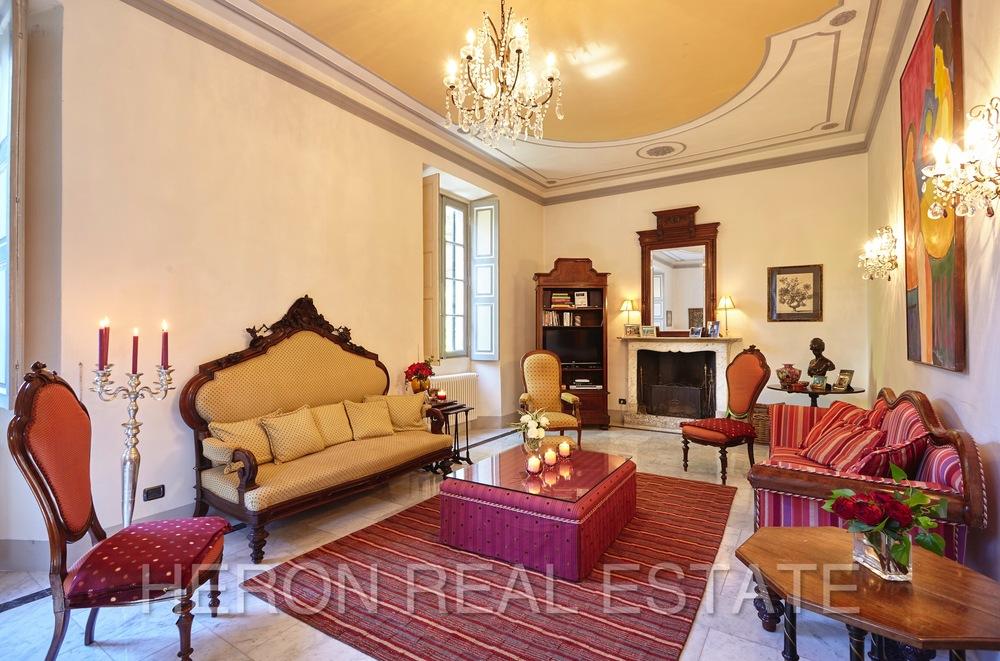 Laglio villa fireplace