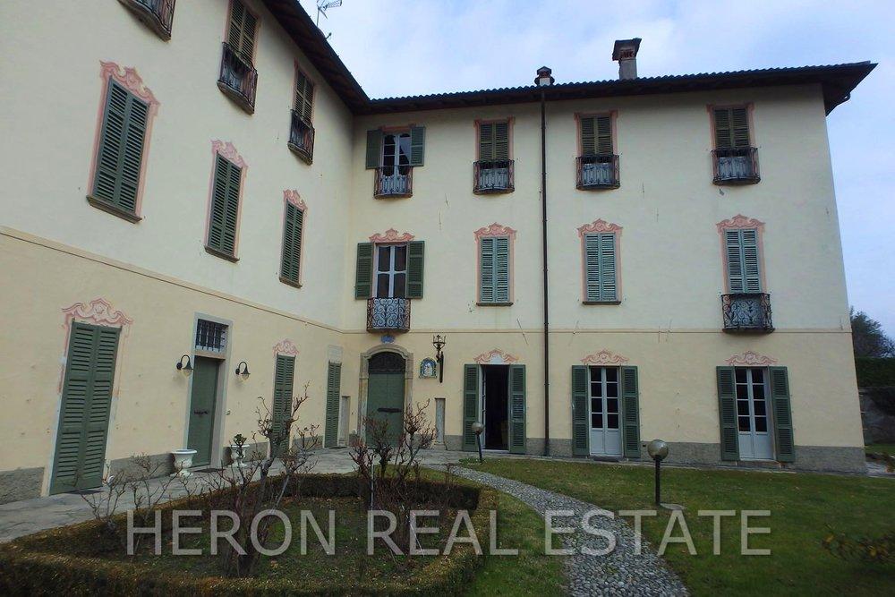 1 Villa Bolza sale.jpg