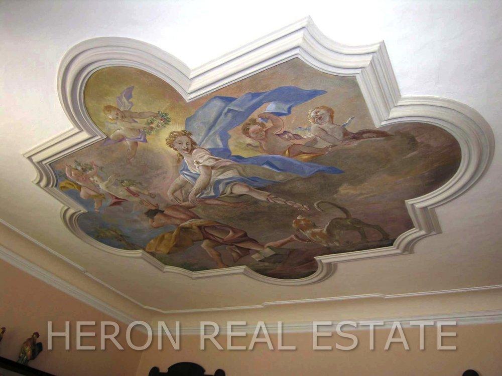 4 frescoed ceiling.jpg