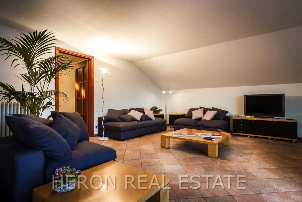 11 living room cernobbio.jpg