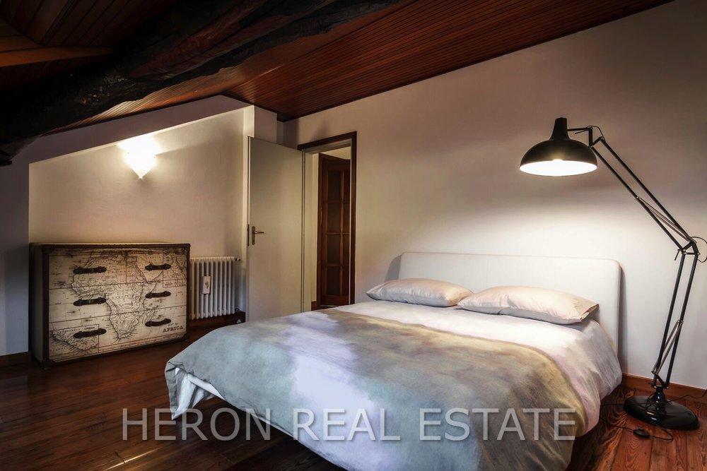 15 cernobbio mansard bedroom.jpg