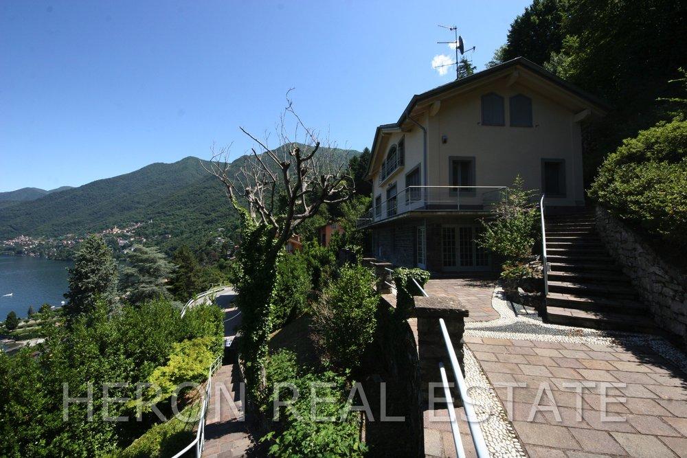 1 Villa in Faggeto for sale.jpg