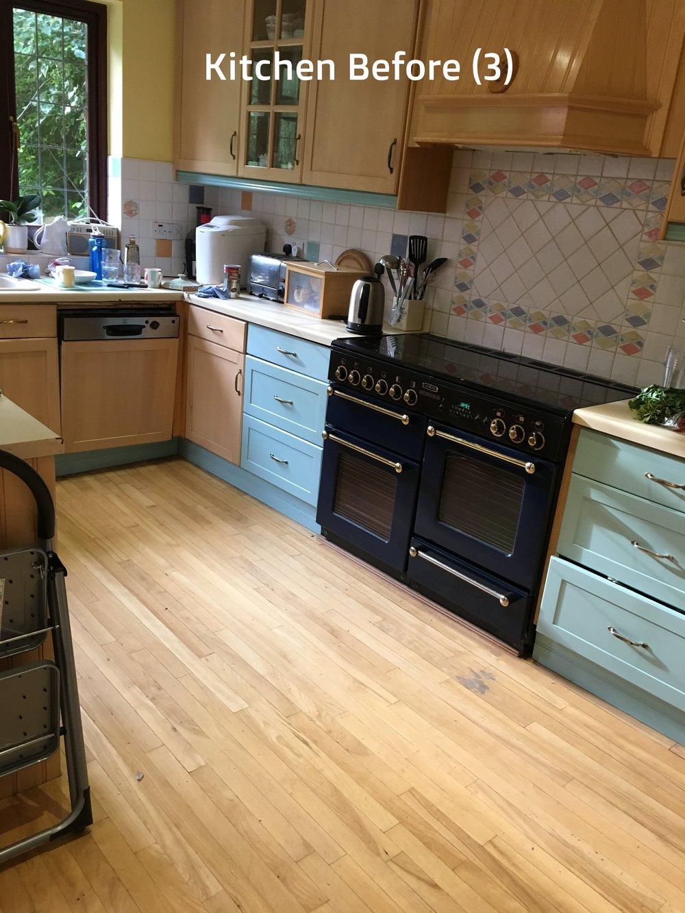 Kitchen Before (3).jpg