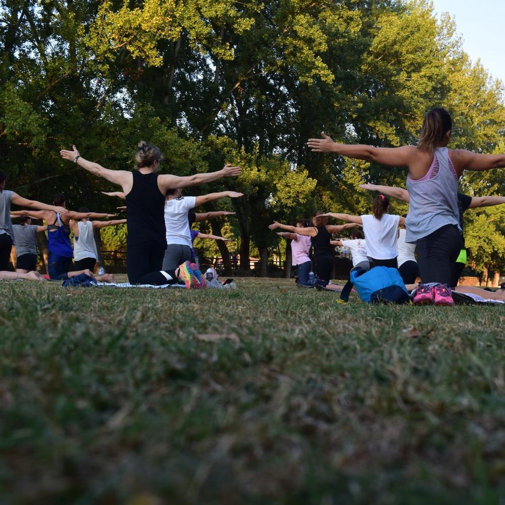 Yoga på terrassen - teamaktivitet på Stella Maris.jpg