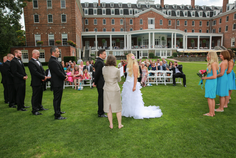 Photograph of an wedding at a luxury hotel