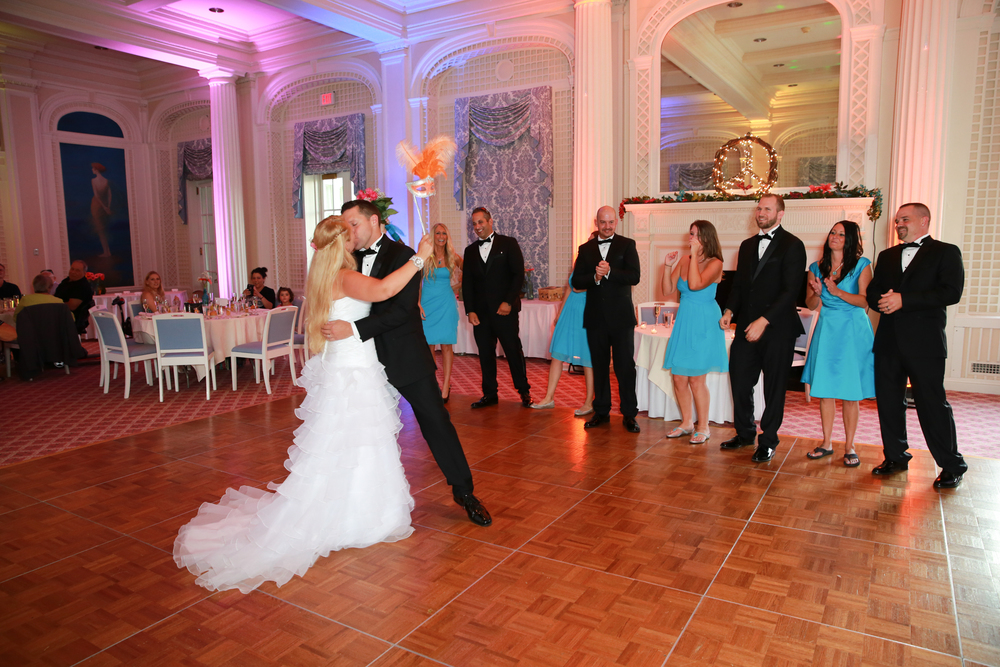 Amazing first dance at a luxury hotel