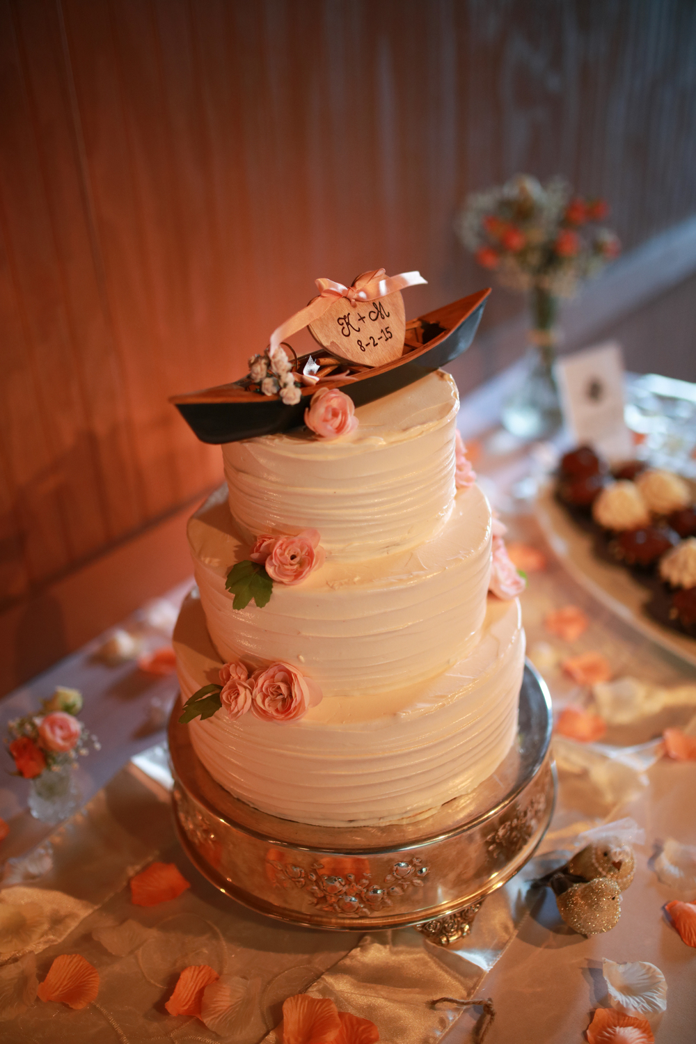 Wedding cake at the full moon resort