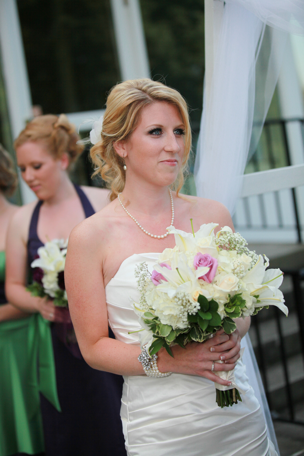 Albany Bride at the Albany Country Club | Photographed by Aperture Photography