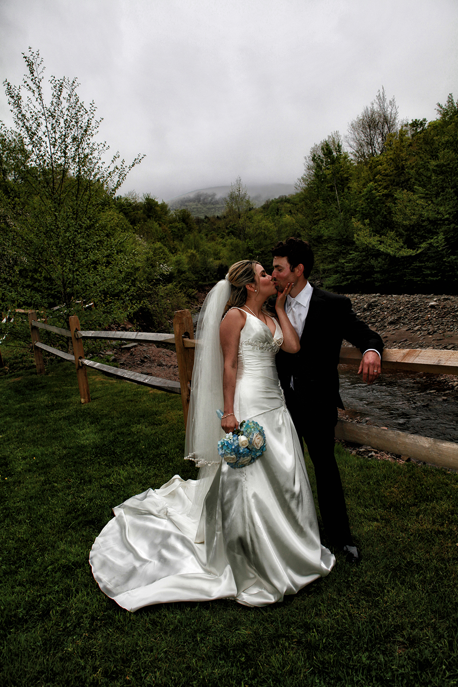 Aperture-Photography-Saugertires-Weddings-Photographers