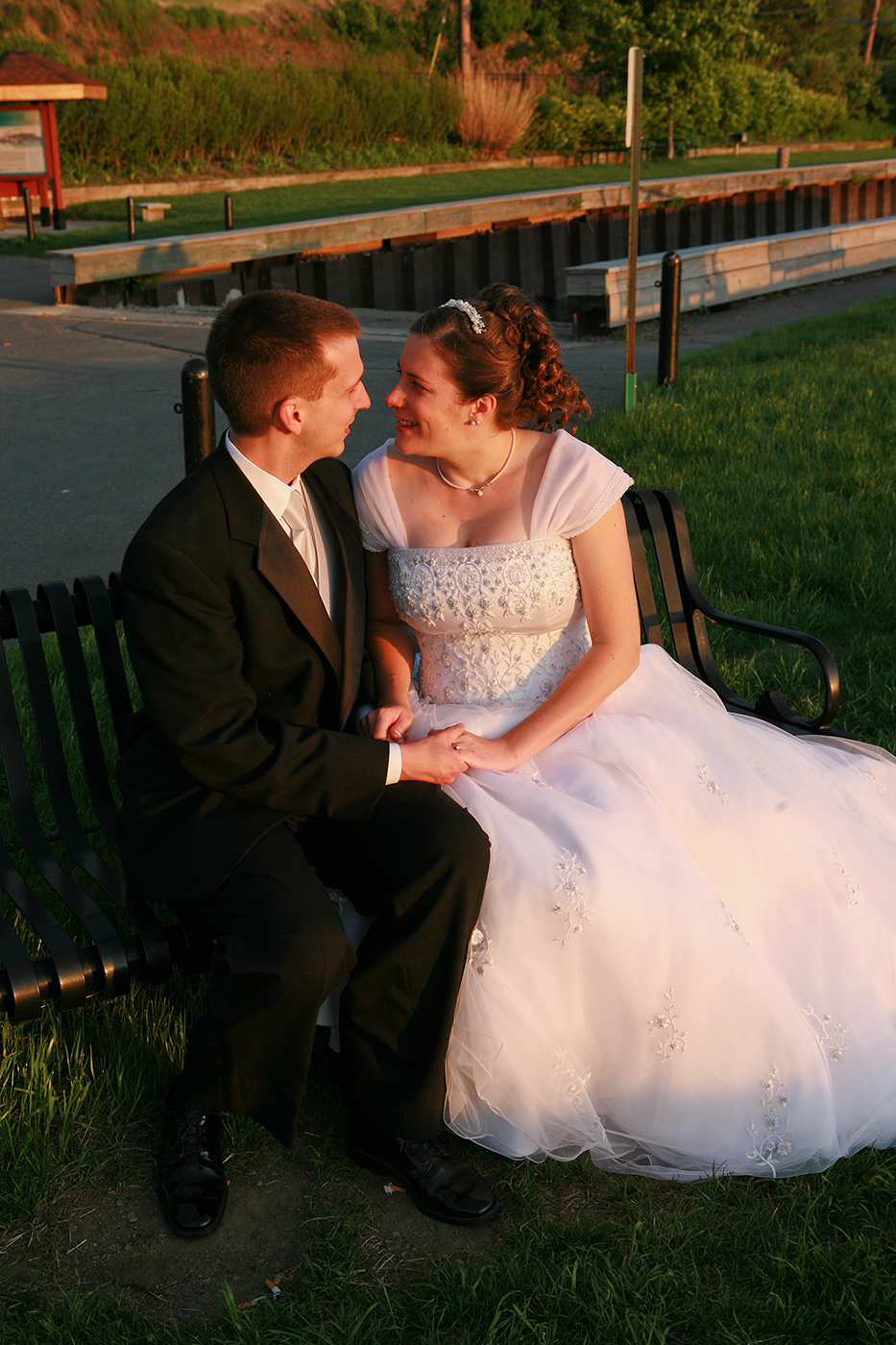Wedding Photograph in warn sunset light at the Rhinecliff NY