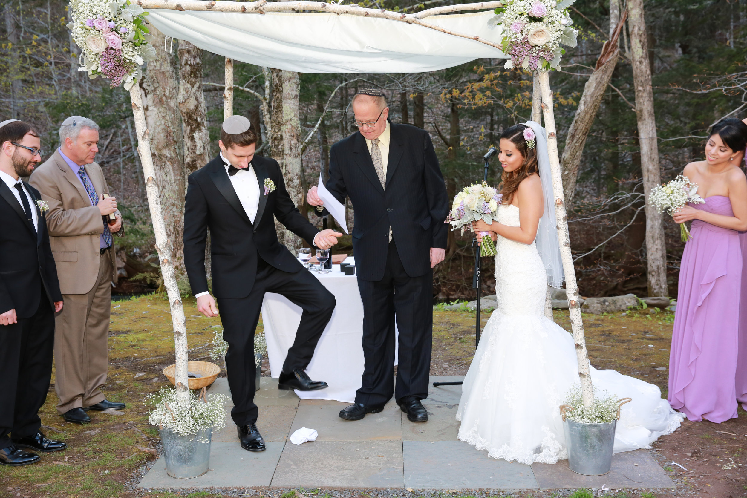 Breaking of the Glass at a Jewish wedding at The Full Moon Resort
