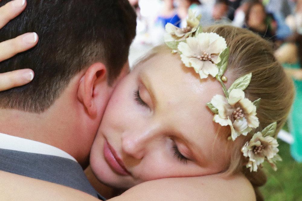 Saugerties Wedding Photo by Aperture Photography.jpg