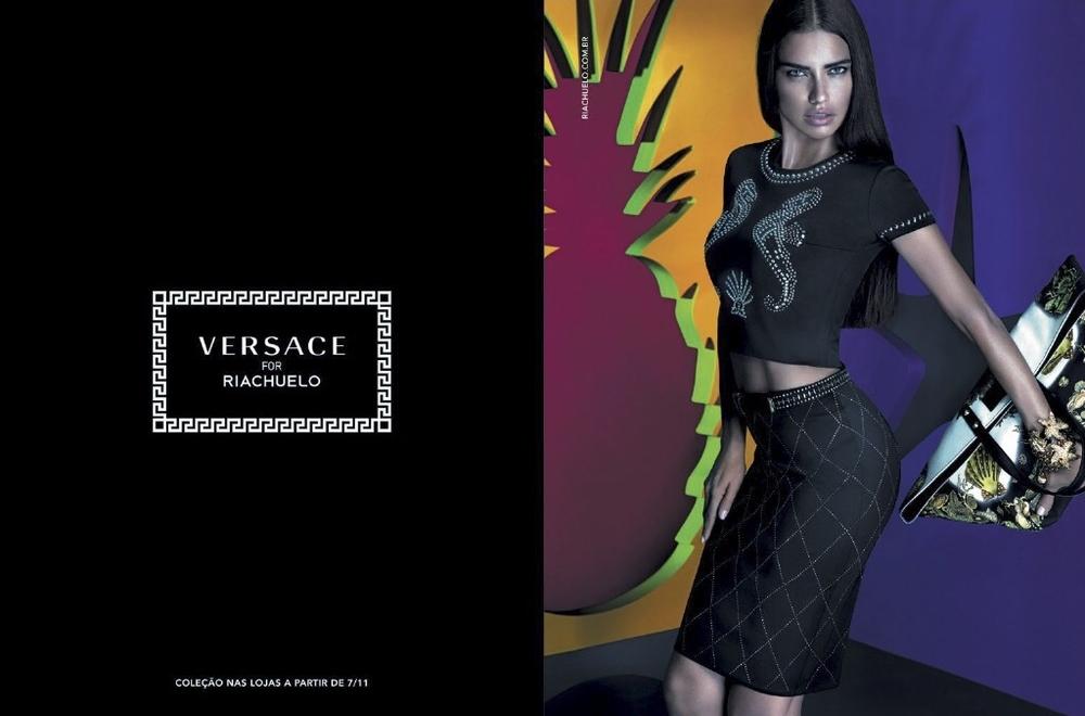 Adriana-Lima-Versace-Riachuelo-01.jpg