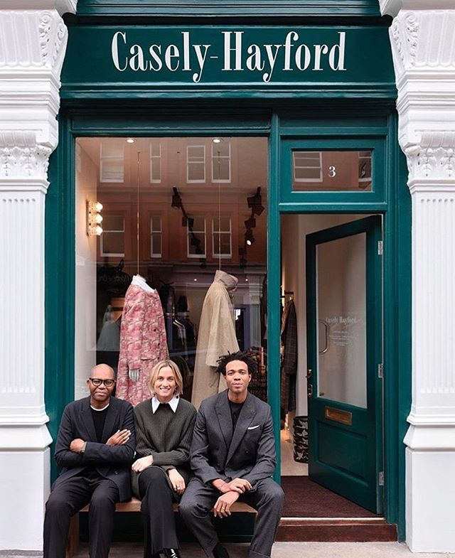 "This week @caselyhayfordlondon celebrates the launch of their first atelier in Marylebone, the interior designed by #ITBclient @studioashby who collaborated with the duo on the space, with a brief to make it feel ""like home"" ✨ find out more about the store on vogue.co.uk  #familyaffair #caselyhayfordlondon #studioashby #ITBrep #interiordesign"
