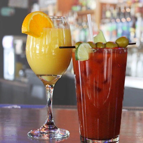 T minus 1 hour till #Brunch and our bottomless #mimosa and #bloodymarry bar when you upgrade to deluxe! #Nashville http://ht.ly/a88N30dQkl4