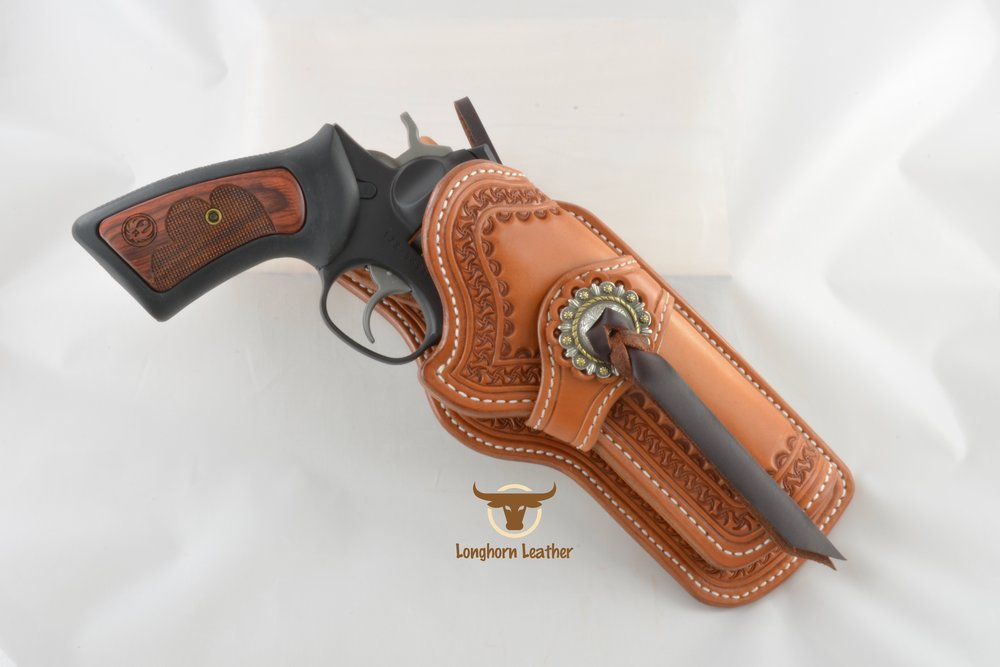 Longhorn Leather AZ - Ruger GP100 holster featuring the %22Kingman%22 design..jpg