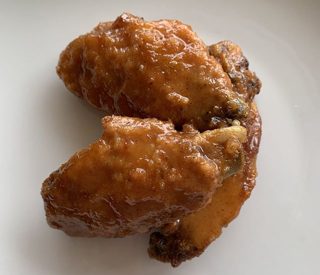 It ain't nothing but a chicken wing! 50 cent wing night starts in Milwaukee at 4:30 pm with America's Pub Quiz trivia starting at 7 pm! We can't wait to see you all there!  #milwaukee #foodporn #MKEfoodies #eater #wisconsinfood #milwaukeefood #eater #huffposttaste #milwaukeeeats #thrillist #visitmke #420 #mkeeats #wisconsinfoodie  #mkefoodauthority #yelpmke #bestfoodmilwaukee #forkyeah #foodbeast #mkefood #mke  #foodanddrinkmilwaukee #meinmke #dearmke