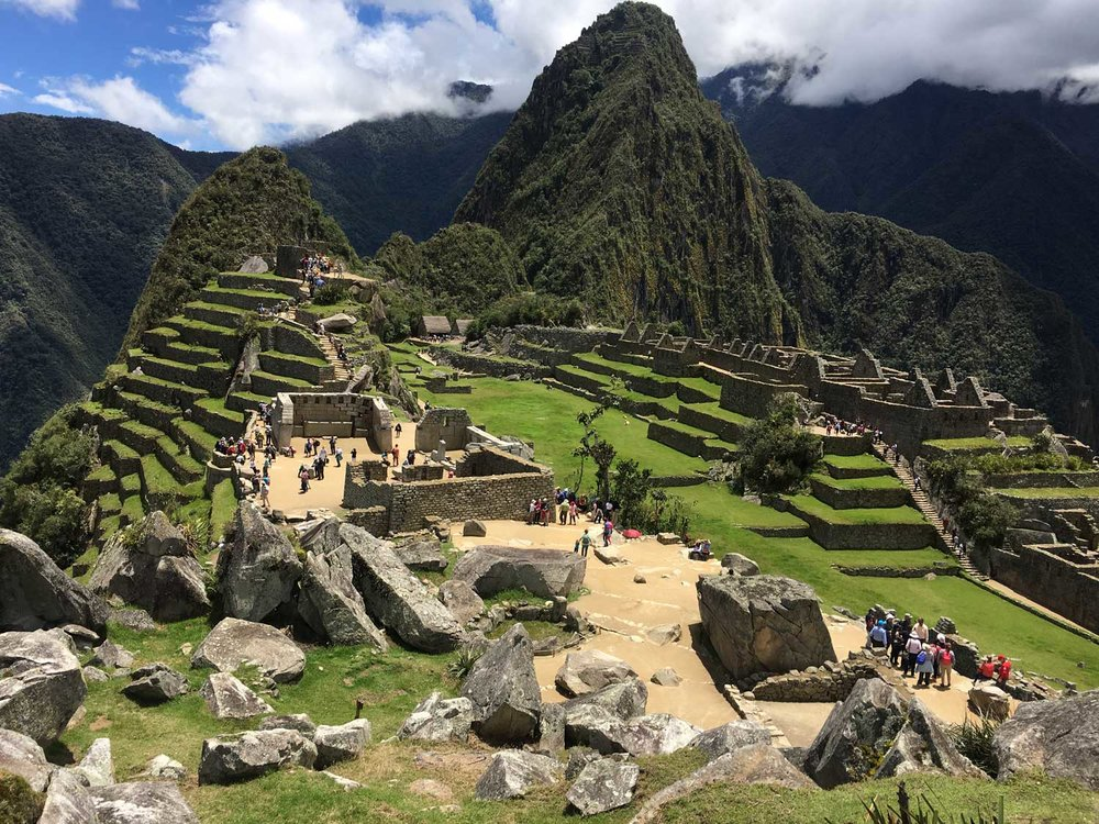 Machu-Picchu_Montana-Western-Section.jpg
