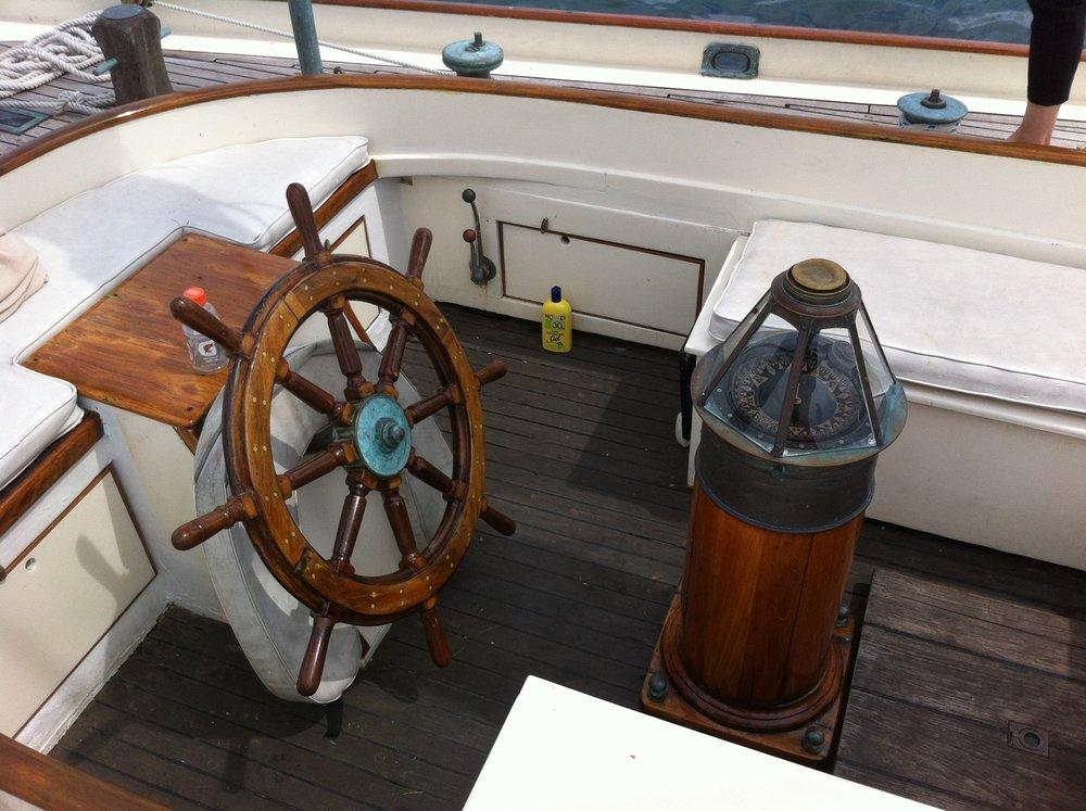 unbounded-adventures_schooner-tyrone-helm.jpg