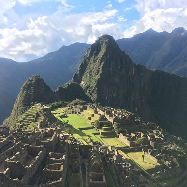Woah, what a perfect day we got to explore Machu Picchu, Sun Gate and Inca Bridge. Sun was a shinin'! ☀️😀👍 #peruadventure #unboundedadventures #machupicchu #worldwonder #mustsee #adventuretravel