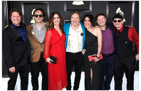 Lookin' good on the Red Carpet with Dan, Jeremy, Claudia, Liz, Seth & Larry!