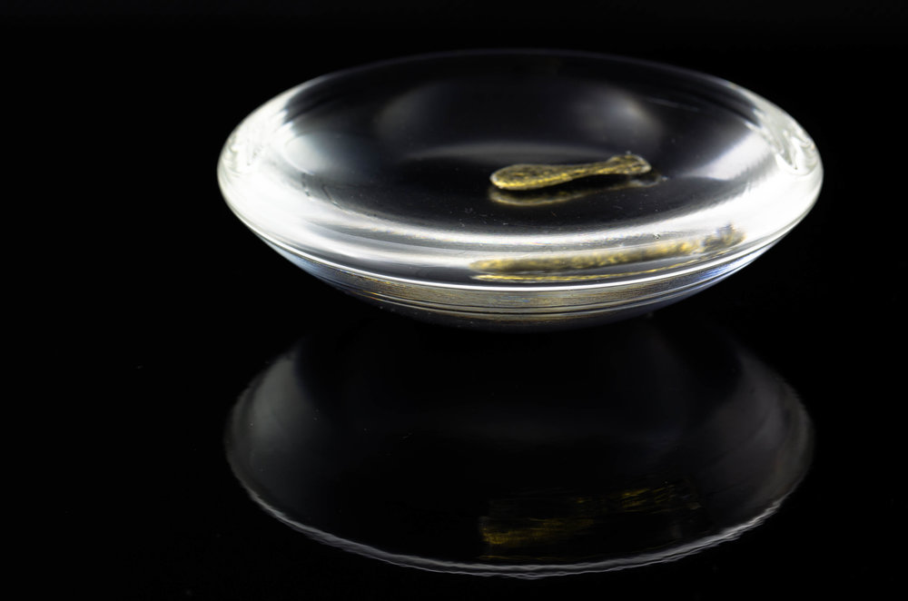 Waken Glass weight with hot-cast 24K gold