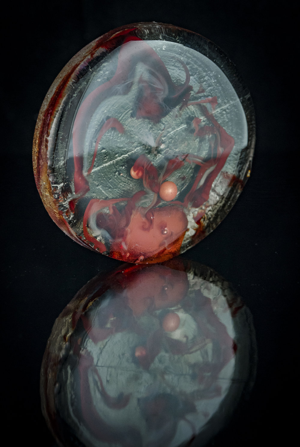 Waken Glass disc with molten copper