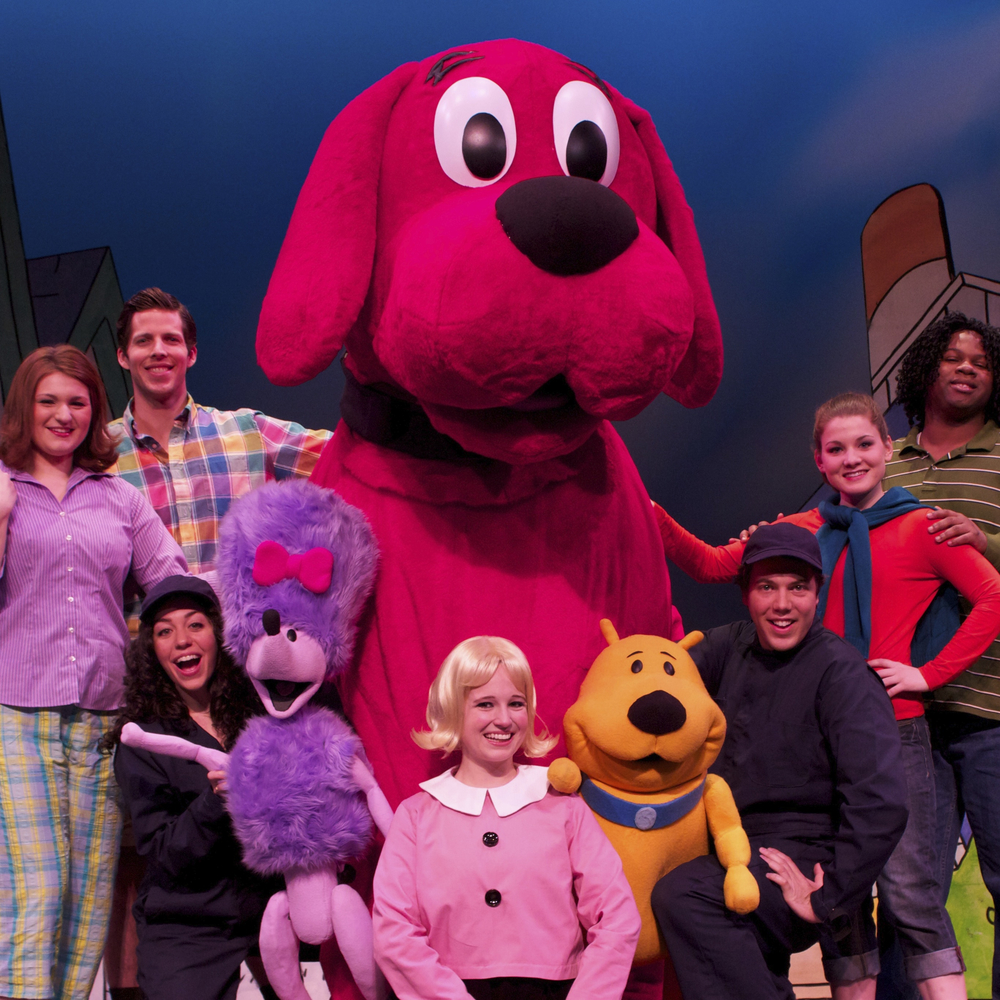 Entire Cast - Clifford.jpg