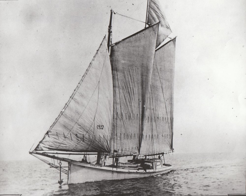 Sharpie Schooner Iowa Sister vessel to missouri
