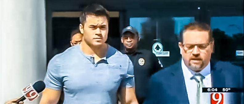 Daniel Holtzclaw leaving the Oklahoma County Jail with his defense attorney Scott Adams.