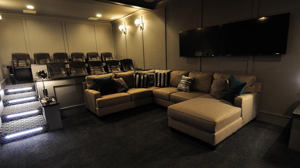 ER011-theatre3.jpg