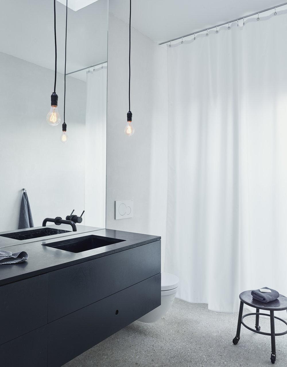 bathroom140056.jpg