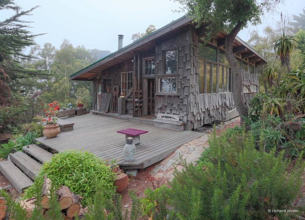 cabin of sculptor barbara spring. lloyd kahn, architectural designer-builder. big sur, ca.