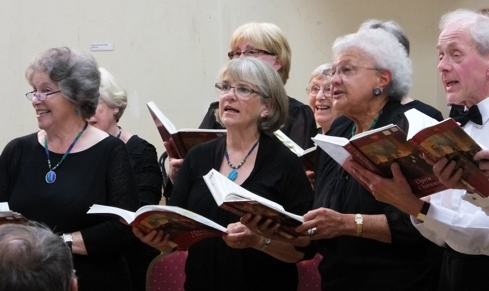 Summer Concert Sopranos and a Tenor enjoy opera choruses