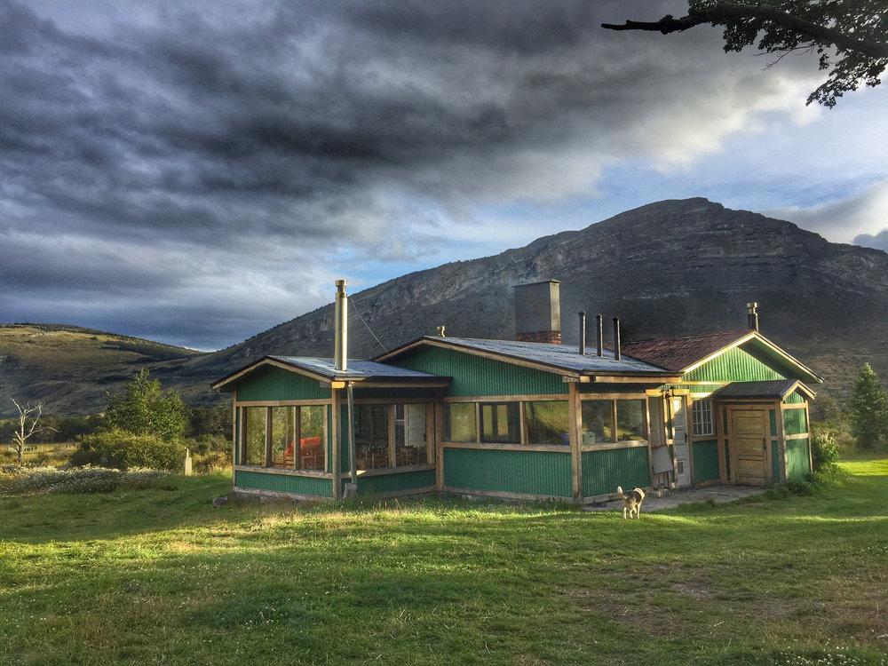 estancia Lago Sofia.jpg