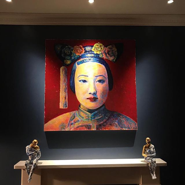 A gorgeous photo received from my collector in London! I am so grateful that my work received such a good care in their beautiful house. #michellemaart #contemporaryart #fineart #collector #concubinezhen #lastdynastyofchina #qingdynasty #20centuryhistory #chinesefemaleartist