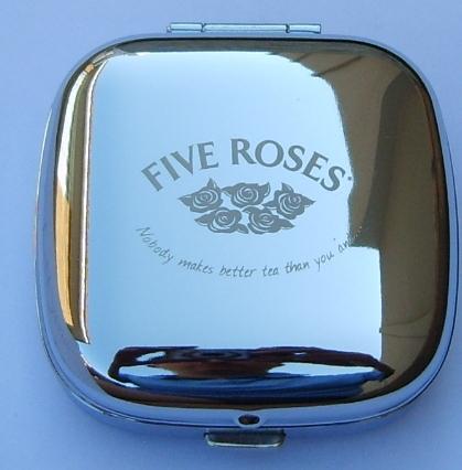 stainless-steel-pop-up-desk-clock-five-roses-logo.jpg