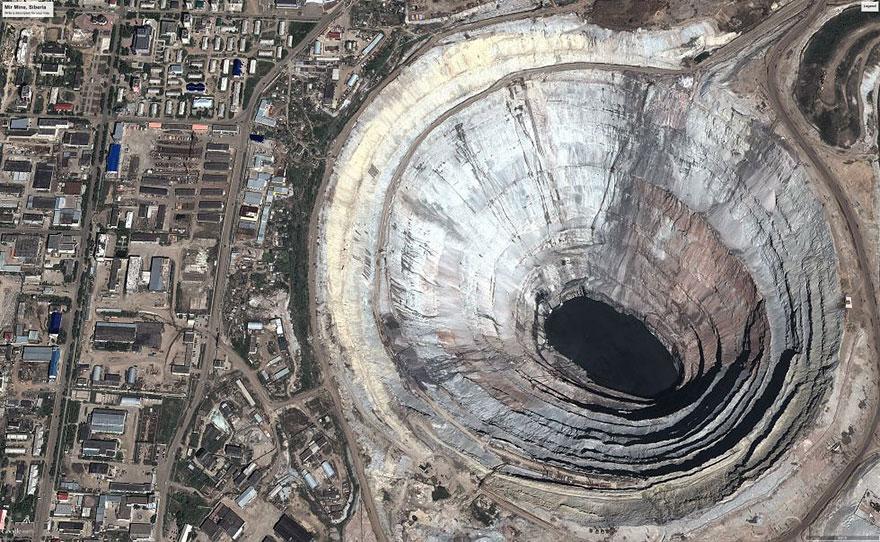 planet-pollution-overdevelopment-overpopulation-overshoot-17.jpg