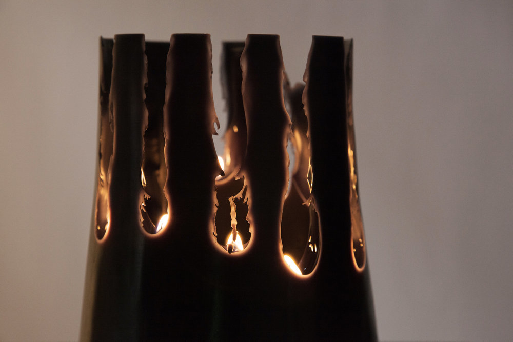 CANDLE_PIT_Black_Closeup_06.jpg
