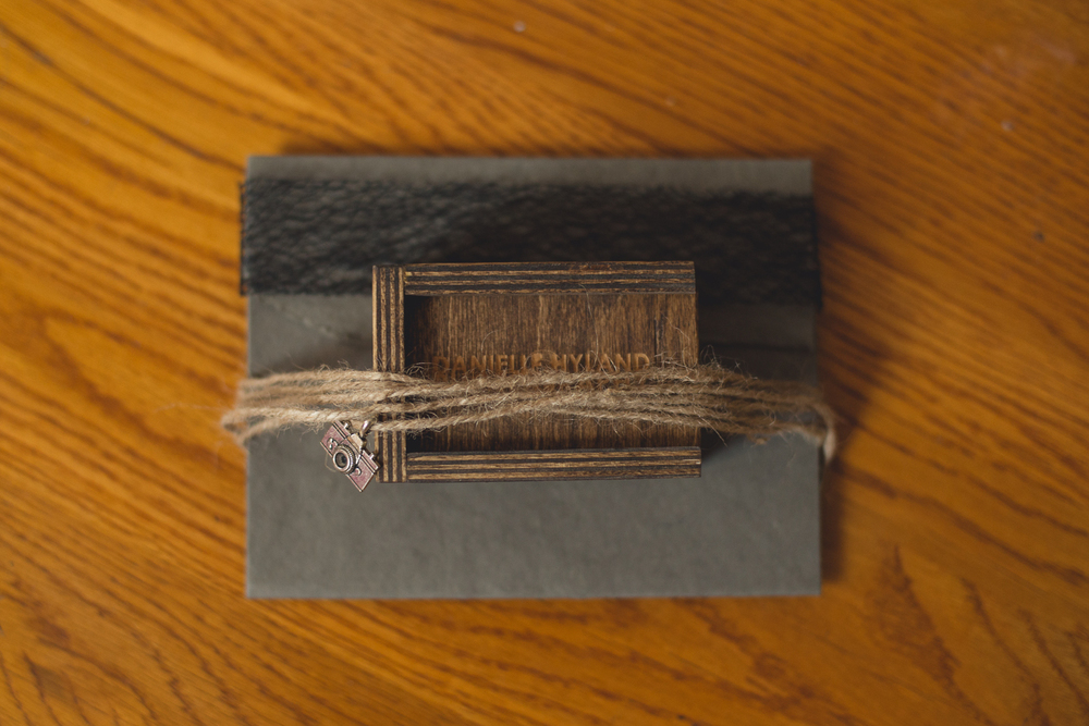 portrait-packaging-long-island-photographer-wooden-box-usb-0024