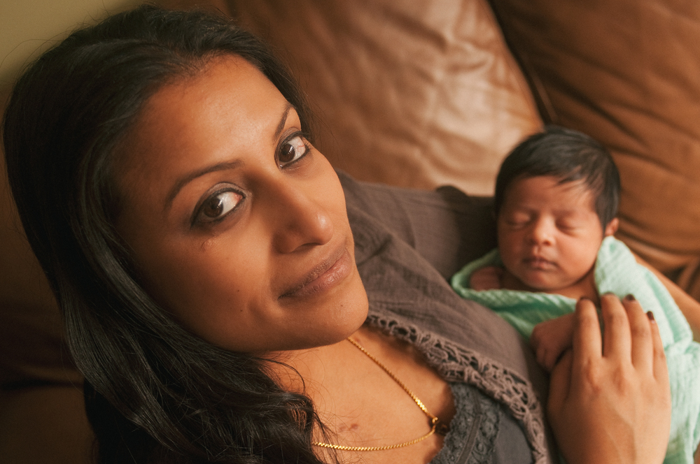 lifestyle-newborn-photography-long-island-ny-natural-light-with-mom.jpg