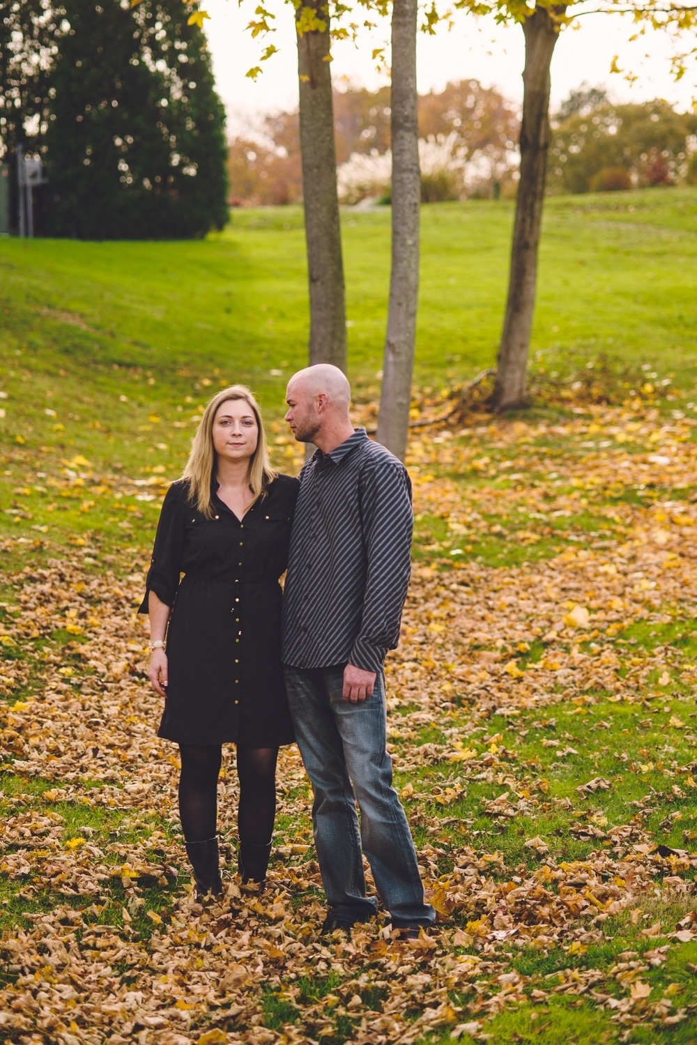 dominique-rich-engagement-photography-long-island-ny-photographer-autumn-leaves-vanderbuilt-museum-0004.jpg