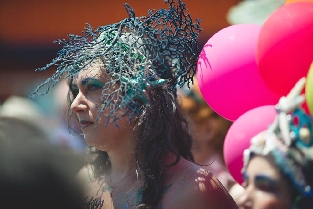 Coney_Island_Mermaid_parade-104.jpg