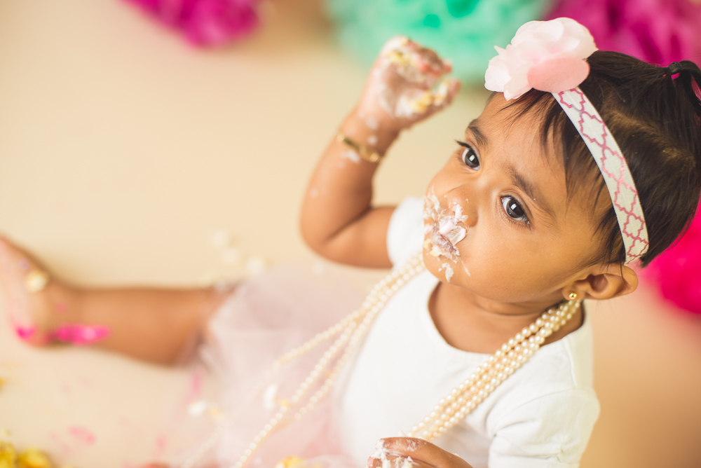 jade_first_birthday_cake_smash_long_island_Photographer-020.jpg